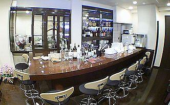 cafe & bar ガジュマル